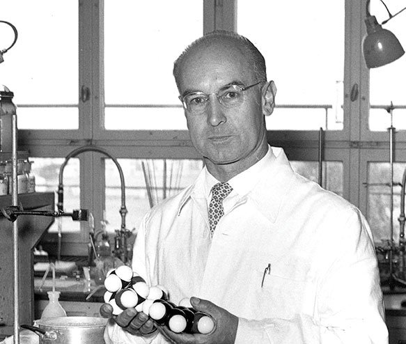 albert_hofmann_lab.jpg